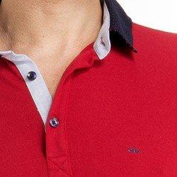 detalhe camisa polo masculino buon giorno vermelho jonas look