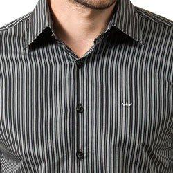 detalhe camisa listrada cinza buon giorno renan tecido