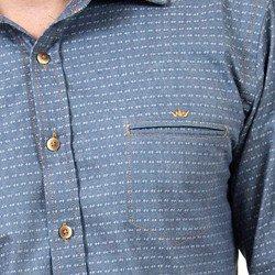 detalhe camisa jeans maquinetada buon giorno enrico bolso